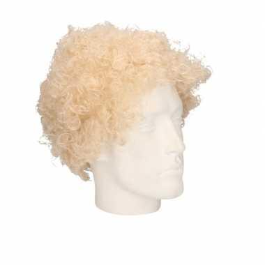 Voordelige blonde krullenpruik voor volwassenen